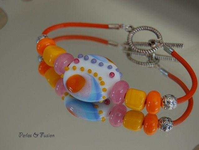 Bracelets en perles de verre filées au chalumeau par mes soins. Disponibles au 8/03/2021 dans ma boutique en ligne.