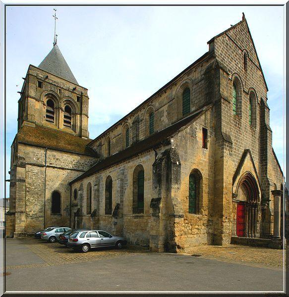 Diaporama église fortifiée de Bruyères et Montbérault
