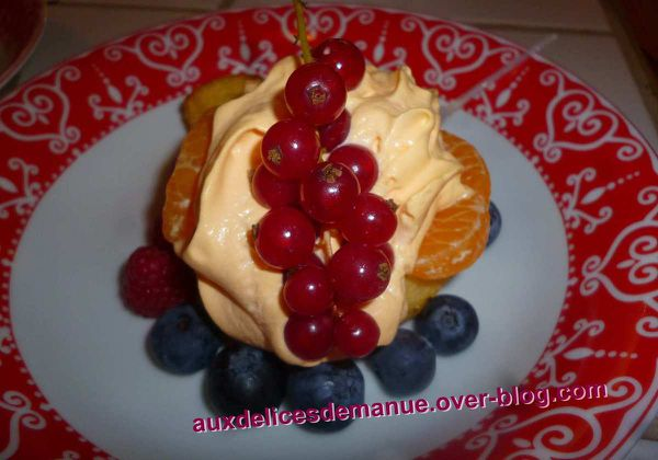 mini baba au sirop d'orange et Grand-Marnier, chantilly citron