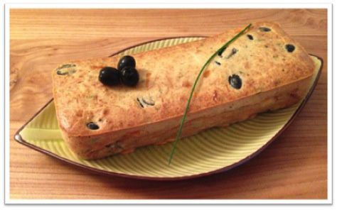 Cake à la mimolette, olives et cumin