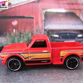 CUSTOM 69 CHEVY PICK-UP HOT WHEELS 1/64 - CHEVROLET PICK-UP 1969 - car-collector.net