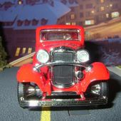 FORD 3 WINDOW COUPE 1932 ROAD SIGNATURE 1/43 - car-collector.net
