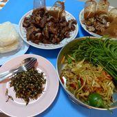 Vu au marché (18) - Menu du soir - Noy et Gilbert en Thaïlande