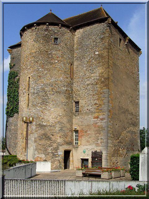 Diaporama donjon DES CHAUVIGNY à La Châtre