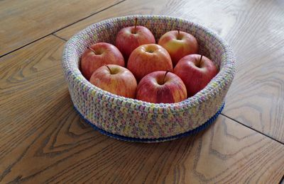 Une jolie corbeille à fruits au crochet