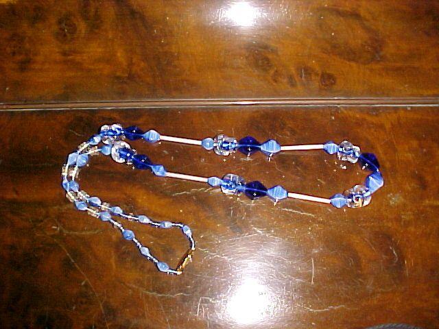 mostacillas perlas canutillos con diferentes técnicas de tejido
