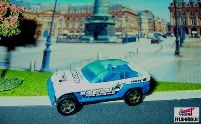 jeep-jeepster-police-cruiser-2001-hot-wheels