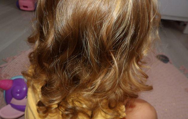 Comment entretenir des cheveux frisés