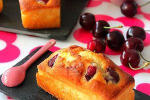 mini cakes aux cerises ميني كيك بحب الملوك
