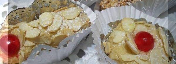 M'chouek « gâteau traditionnel algérien aux amandes »