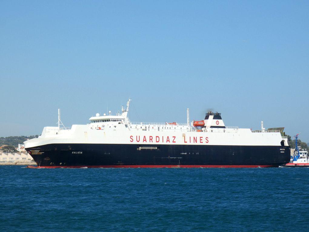 GALICIA , en petite rade de Toulon et ce dirigeant vers  son poste d'amarrage  à Toulon / brégaillon le 24 juillet 2020