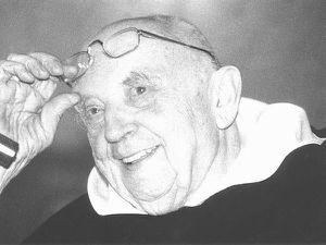 le père Bocheński en habit noir & blanc dans un journal de Bydgoszcz