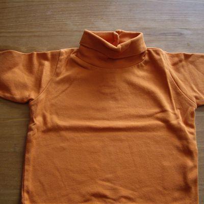 sous pull orange 6 mois 0,50€