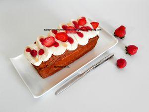 Kréatif cake grave givré d'après Christophe Michalak : biscuit citron, chantilly ivoire citron, confit fraise, crème glacée cheesecake, sorbet fraise