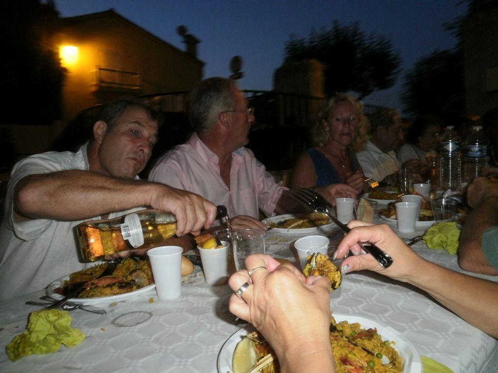 Il ne peut y avoir de vacance sans une fête et à Auribeau nous avons eu hier soir une fête des Vacances digne de ce nom.