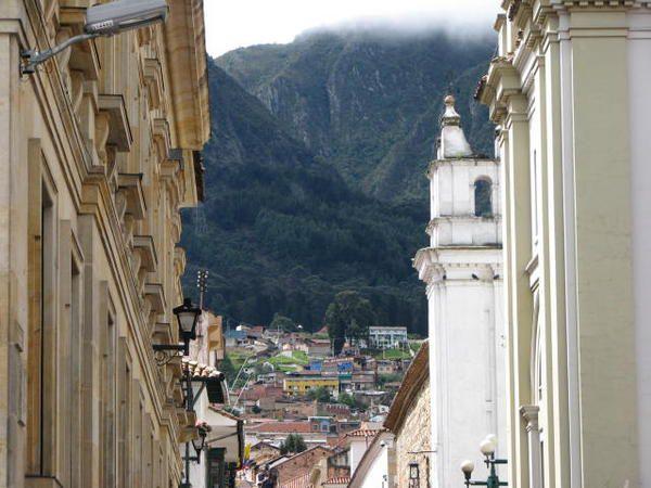 Album - 698-Bogota