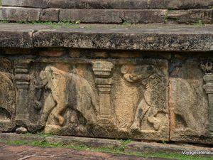 Polonnaruwa-Medirigiriya-Sigiriya-Kaludiyapokuna