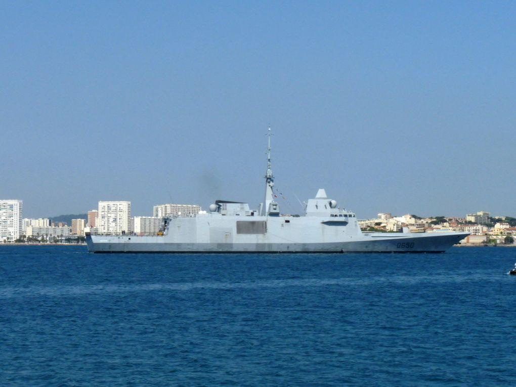 AQUITAINE  D650, Frégate européenne multi missions (FREMM ) appareillant de Toulon le 05 juin 2015
