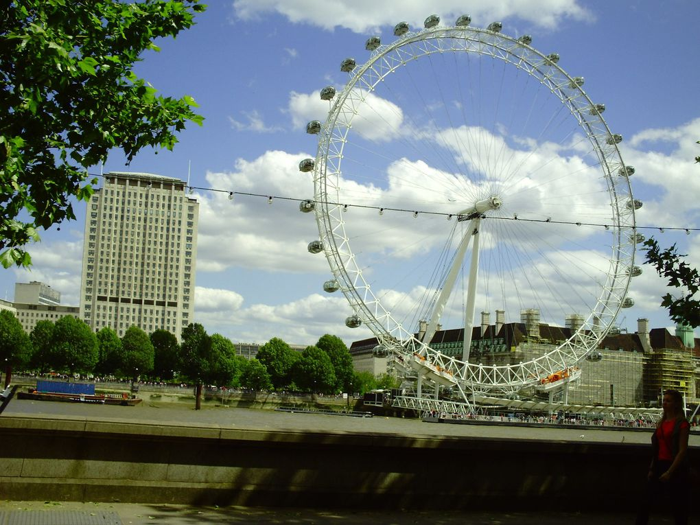 DIAPORAMA 53 PHOTOS - LA ROUE............BIG BEN............... MALGRÉ LA TRAVERSÉE ON VOIT BEAUCOUP DE CHOSES