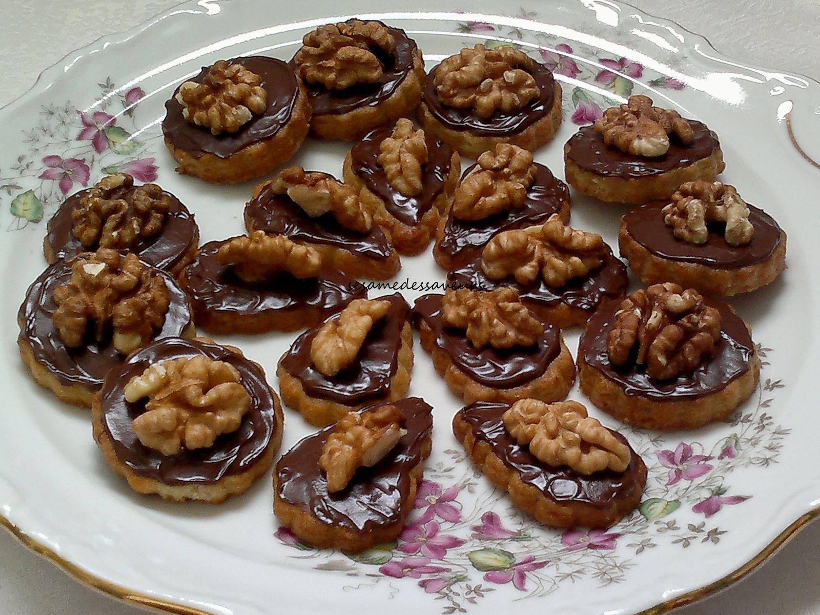 Sablés aux noix et chocolat