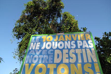 Affiche électorale hors la loi en Martinique