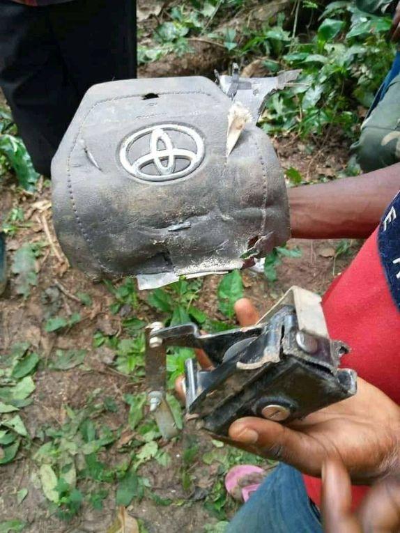 Les débris de l'Antonov 75 qui s'est écrasé à Kole (Sankuru)