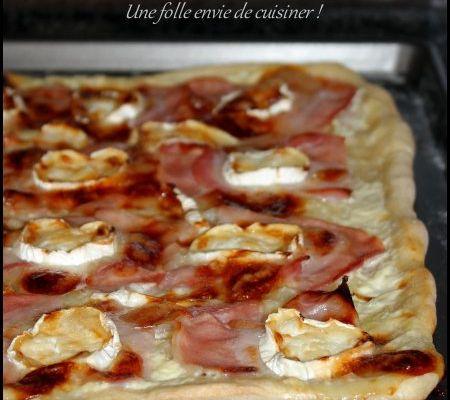 Pizza au bacon, chèvre et miel