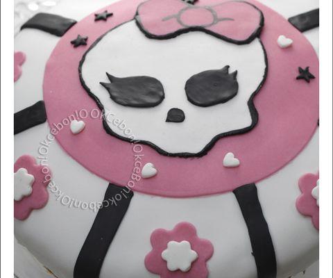 Gâteau d'anniversaire au chocolat Monster high