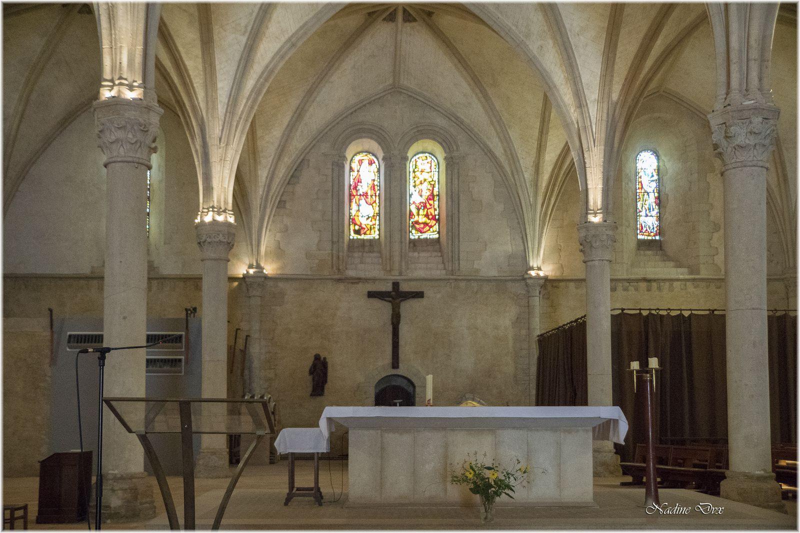 Intérieur de l'église Sainte Jeanne d'Arc ou l'hôtel-Dieu de Coëffort - Le Mans