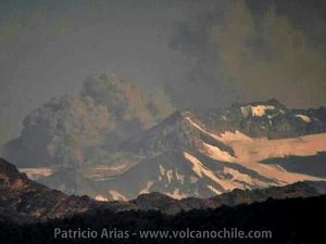 Planchon Peteroa - 18.12.2018 - Sernageomin webcam images and volcanoode Chile