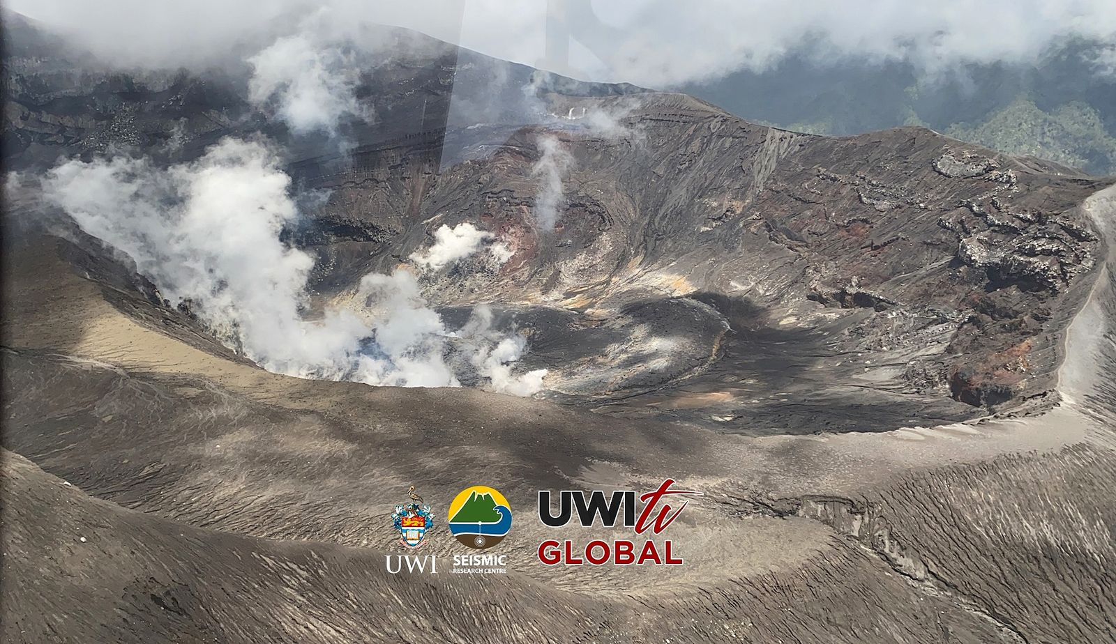 Soufriere de St. Vincent - steam emissions in the crater - flyby by Javid Collins, UWITV on 06.21.2021.