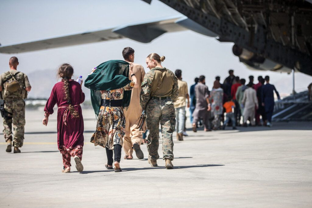 """U/ """"Le fiasco afghanistan ne doit pas être le prétexe à enterrer l'universalisme"""" par Valérie Toranian"""