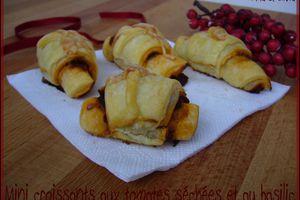 Mini croissants aux tomates séchées et au basilic