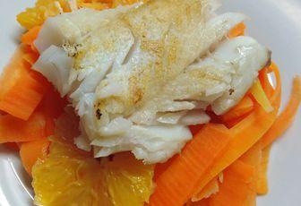 lieu jaune aux carottes et agrumes