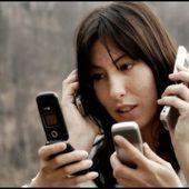 Une nouvelle maladie : La dépendance aux téléphones portables - MOINS de BIENS PLUS de LIENS