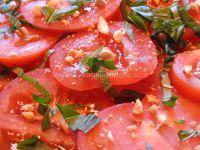 Burrata sur Salade de Tomates