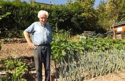 Rencontre avec Julien, jardinier à Bernay 1