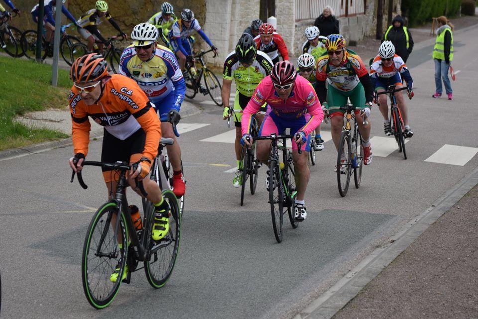 Album photos des courses UFOLEP 3 et GS d'Amfreville La Campagne (27) et classements