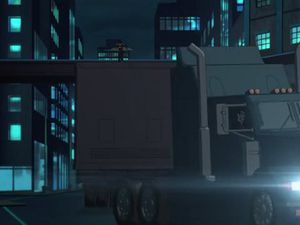 The way she's shot frontally when she runs on the top of the trailer makes her look still, whereas the lateral movement of the truck underlines that it is escaping. This streches the gap between Batgirl and the roof as much as possible in the public's head.