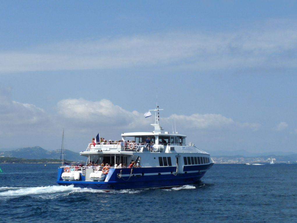 MEDITERRANEE  IX , appareillant du port de l'ile de porquerolles le 05 septembre 2018