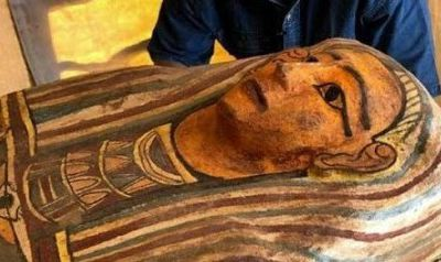 Une découverte pharaonique, celle de plus de cent sarcophages intacts à Saqqarah en Egypte