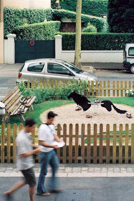Bois laqué, acier et bonbon / Ghyslain Bertholon 2005