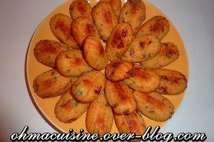 Madeleines au parmesan,tomates séchées et câpres
