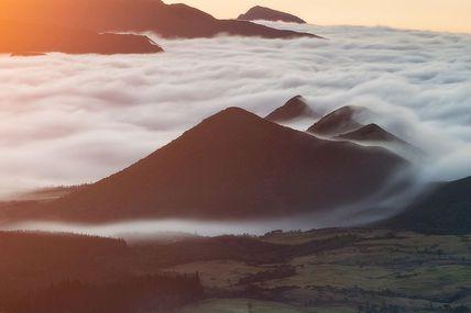 Les dernières lueurs 🌄  Dans la région du volcan