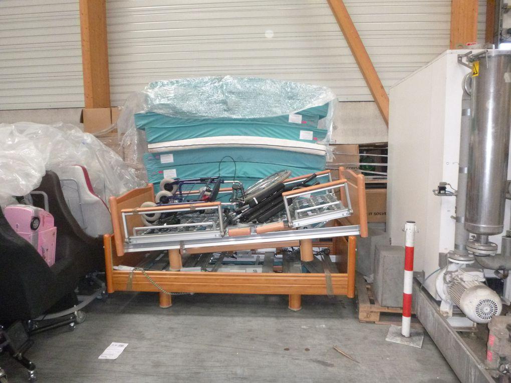 Dépôt du matériel collecté au lieu de stockage