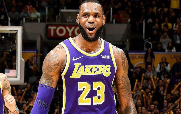 LeBron James écoeure les Spurs dans le money-time