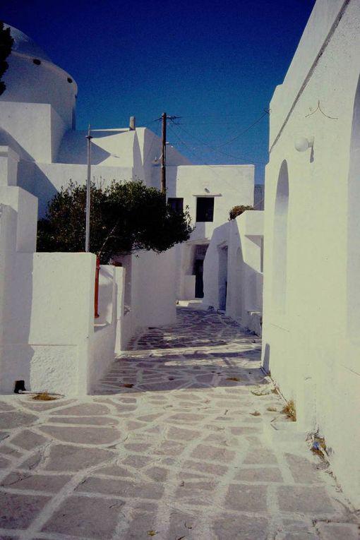 Balade dans un village des Cyclades.