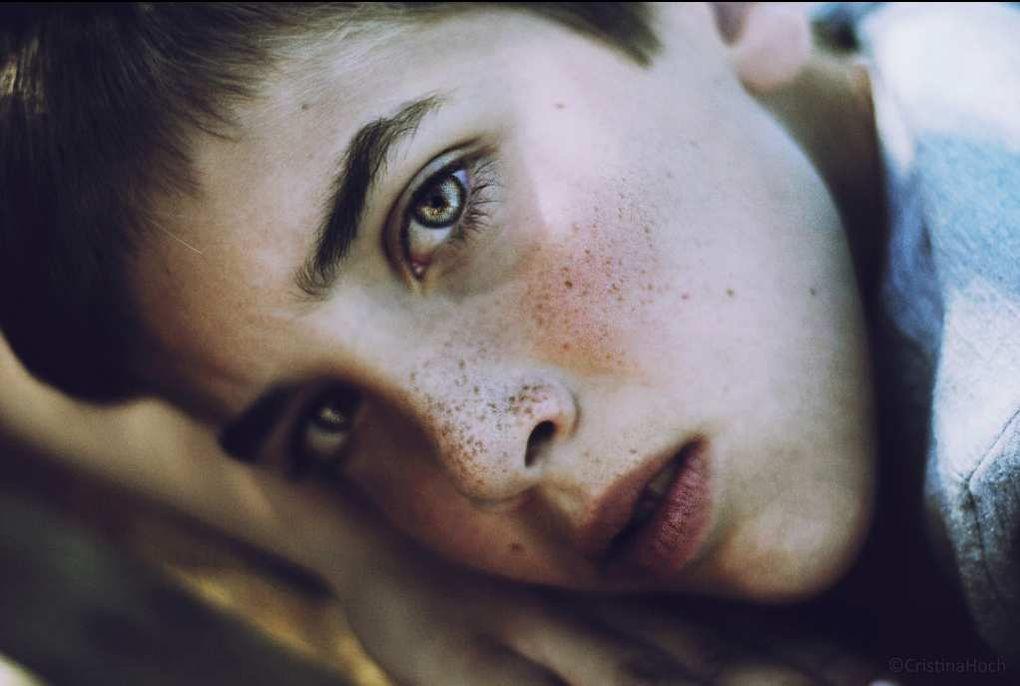 Divers - photos -Art. Graine de photographe - Cristina Hoch, 21 ans, réalise des portraits captivants de ses proches.