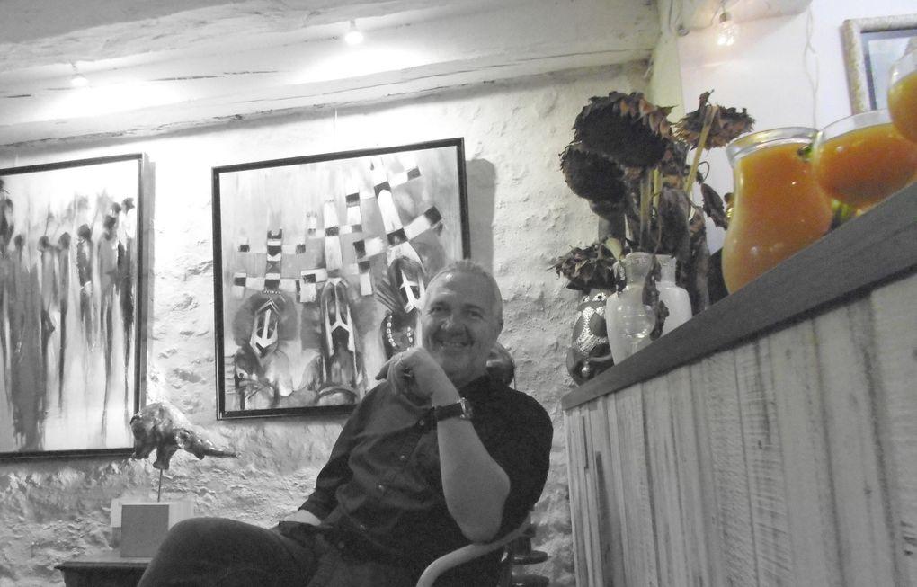 """L'atelier d'Alain est délocalisé chez Yvan pour 15 jours, nouveau concept du galeriste. Bien sûr Culture-Histoire était au vernissage, lui aussi il a sa... """" Minut' Art """".....  mais en photos."""