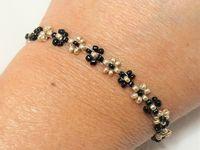 Tutoriel et fiches explicatives: bracelet petites fleurs en perles